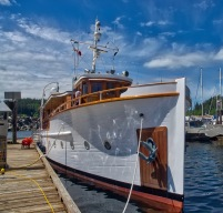Beautiful reconditioned 83' yacht